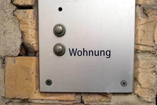 Klingel an einer Wohnung, über dts Nachrichtenagentur