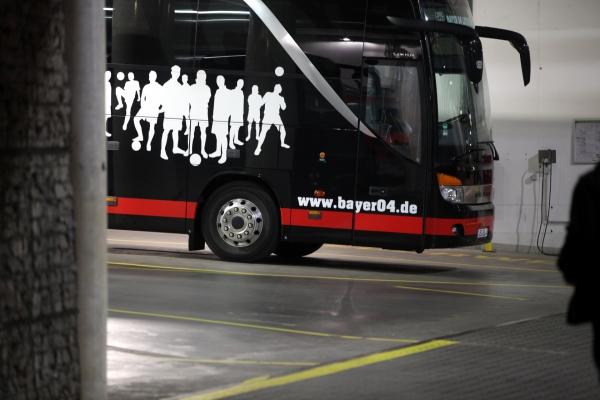 Mannschaftsbus von Bayer Leverkusen, über dts Nachrichtenagentur