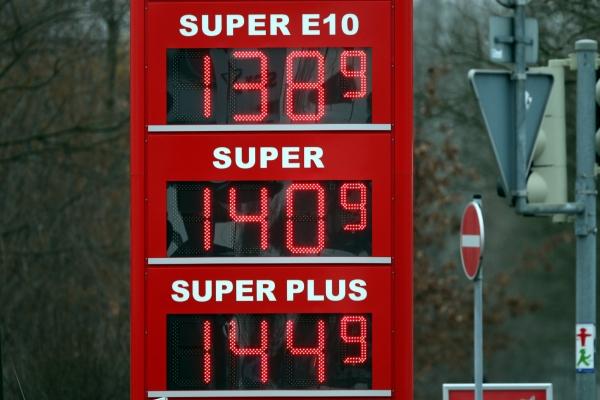 Benzinpreis-Anzeigetafel, über dts Nachrichtenagentur
