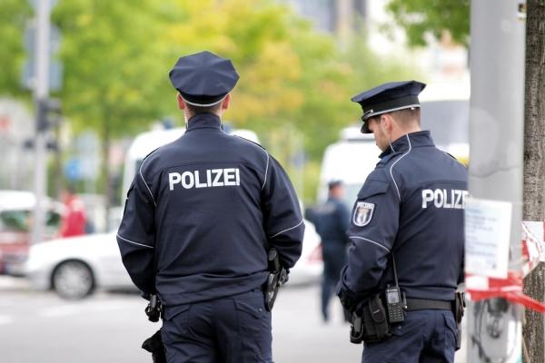 Polizisten, über dts Nachrichtenagentur