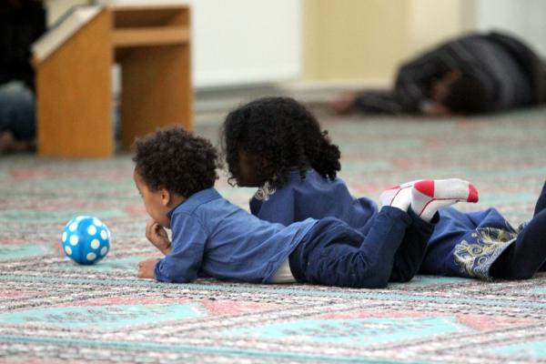 Kinder in einer Moschee, über dts Nachrichtenagentur