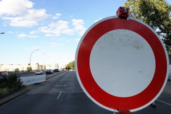 Halbseitig gesperrte Brücke, über dts Nachrichtenagentur
