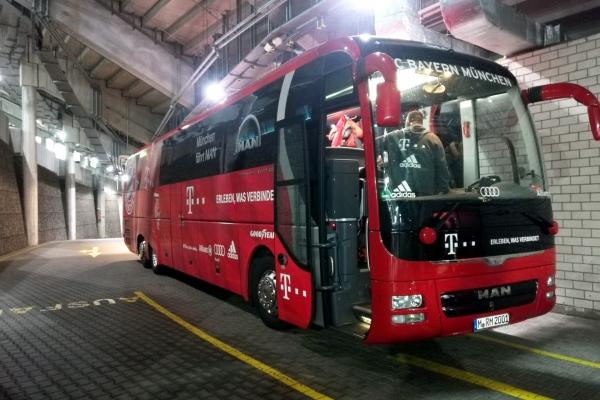 Mannschaftsbus des FC Bayern, über dts Nachrichtenagentur