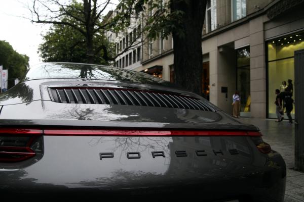 Porsche in der Düsseldorfer Kö, über dts Nachrichtenagentur