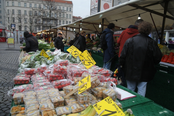 Obst und Gemüse auf einem Marktstand, über dts Nachrichtenagentur