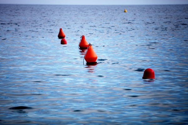Bojen im Meer, über dts Nachrichtenagentur