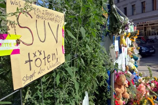Unglückstelle nach SUV-Unfall mit 4 Toten, über dts Nachrichtenagentur