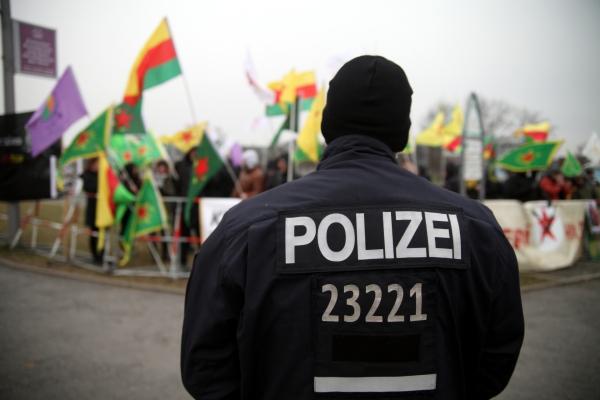 Kurden demonstrieren, über dts Nachrichtenagentur