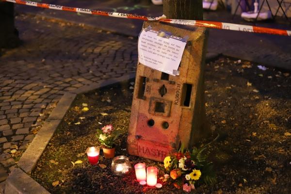 Kerzen am 10.10.2019 vor Anschlagsort in Halle (Saale), über dts Nachrichtenagentur