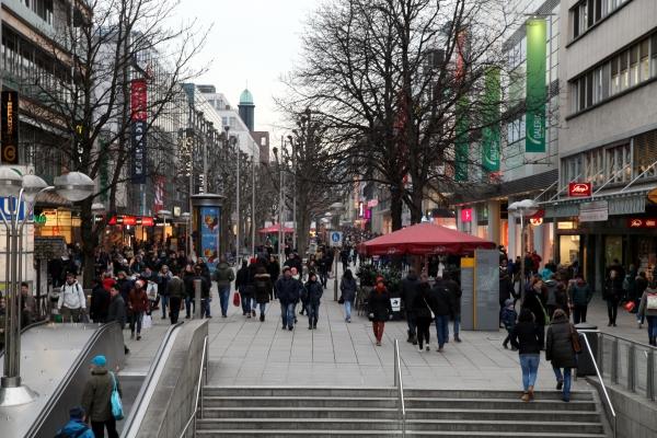 Fußgängerzone Stuttgart, über dts Nachrichtenagentur