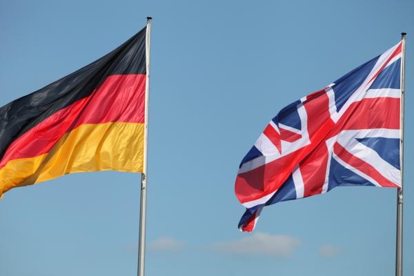 Fahnen von Deutschland und Großbritannien, über dts Nachrichtenagentur