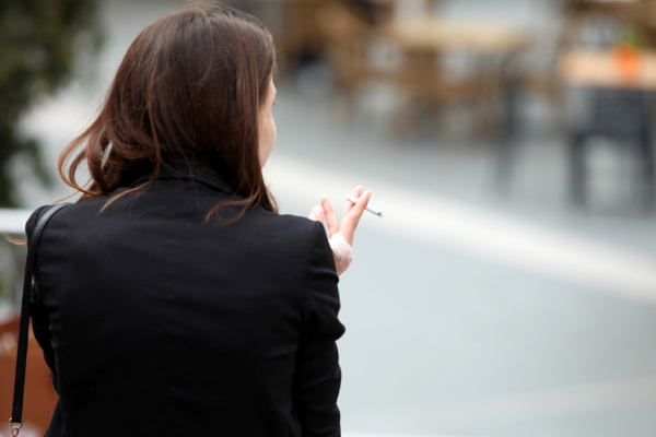 Raucherin, über dts Nachrichtenagentur