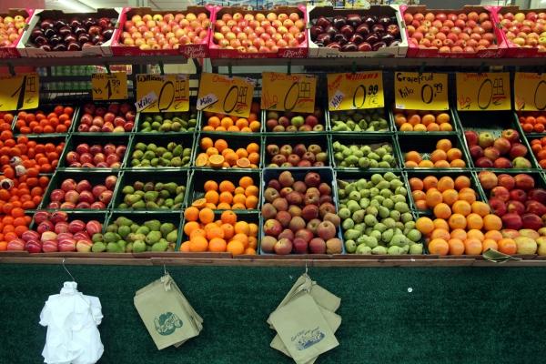 Früchte auf einem Obststand, über dts Nachrichtenagentur