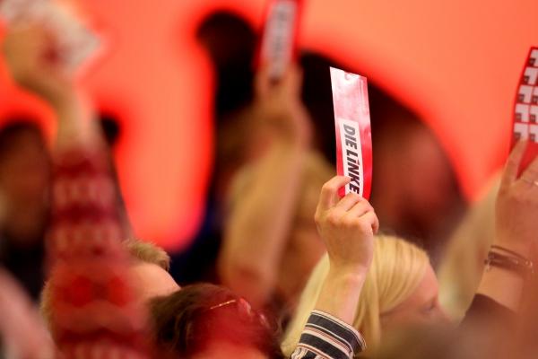 Foto: Abstimmung auf Linken-Parteitag, über dts Nachrichtenagentur