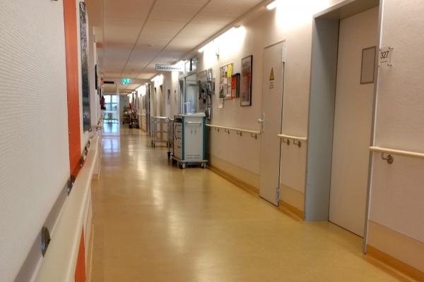 Foto: Krankenhausflur, über dts Nachrichtenagentur
