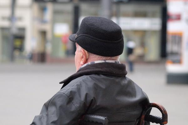 Foto: Mann im Rollstuhl, über dts Nachrichtenagentur