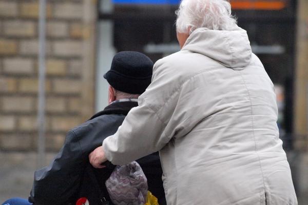 Senioren mit Rollstuhl, über dts Nachrichtenagentur