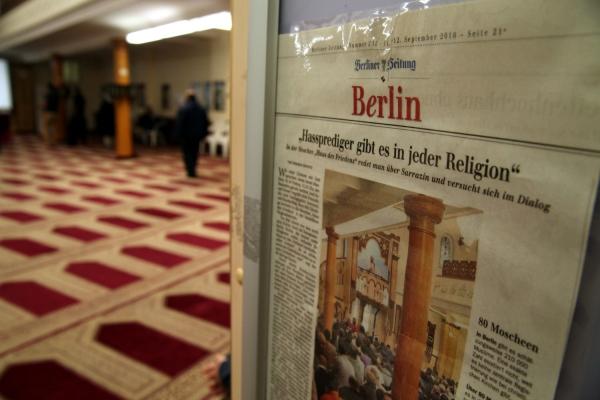 Foto: Zeitungsausschnitt über Hassprediger in einer Berliner Moschee, über dts Nachrichtenagentur