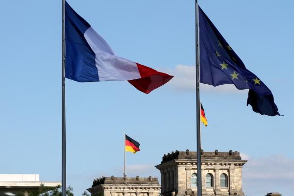 Foto: Fahnen von Deutschland, Frankreich und der EU, über dts Nachrichtenagentur