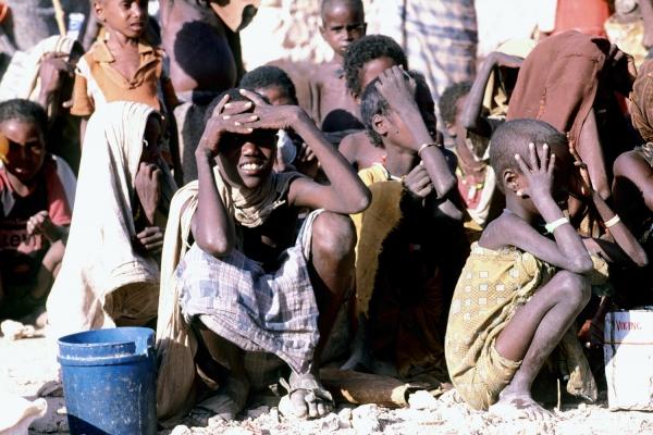 Foto: Hungernde Kinder in Somalia, über dts Nachrichtenagentur