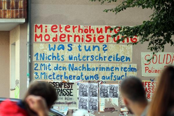 Foto: Fassadenbeschriftung gegen Mieterhöhungen, über dts Nachrichtenagentur