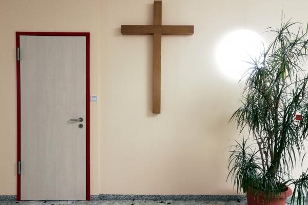 Foto: Kreuz in einem Krankenhaus, über dts Nachrichtenagentur