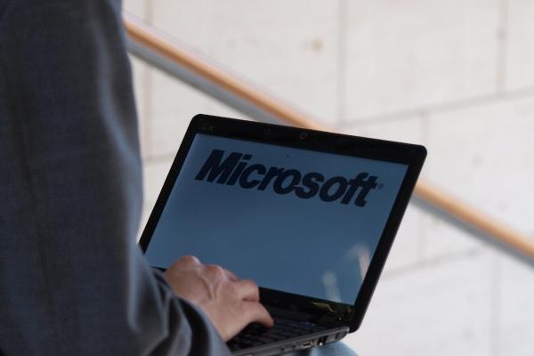 Microsoft-Logo auf einem Computer, über dts Nachrichtenagentur